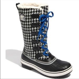 Sorel 6 Tivoli high houndstooth winter snow boots